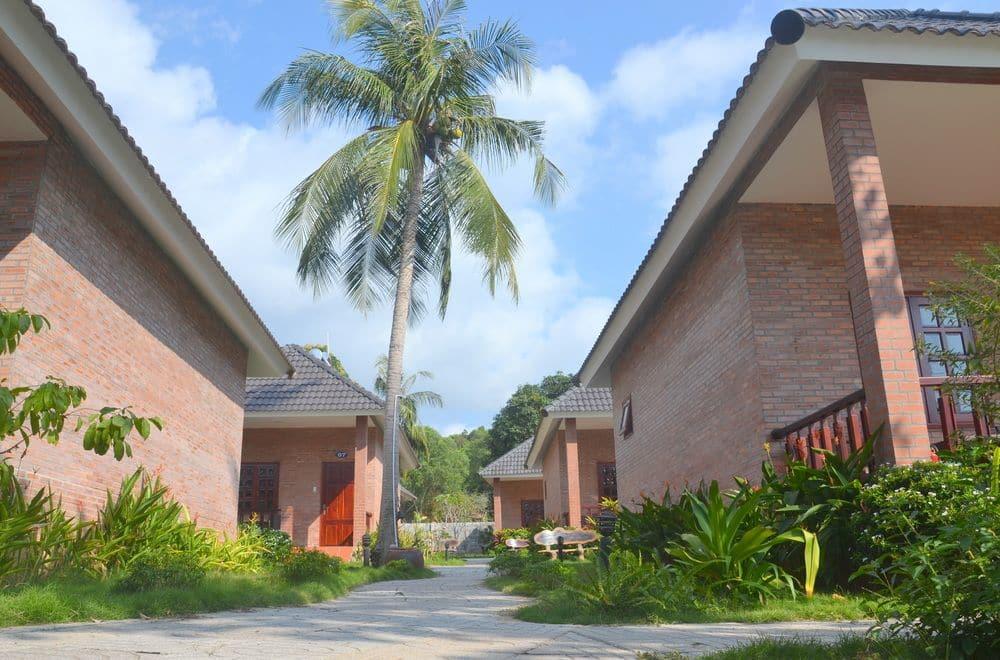 Отель Rum Bungalows Resort Фукуок
