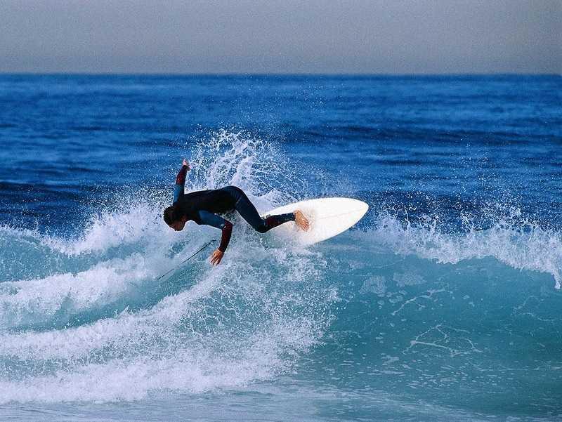 Серфинг на пляже Bai Sao