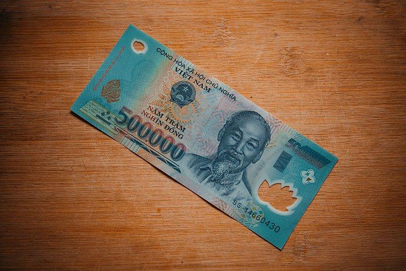 Банкнота достоинством ₫ 500 000