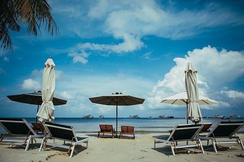 Лежаки на Пляже Бай Сао
