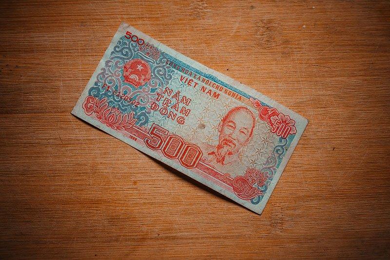 Банкнота достоинством ₫ 500