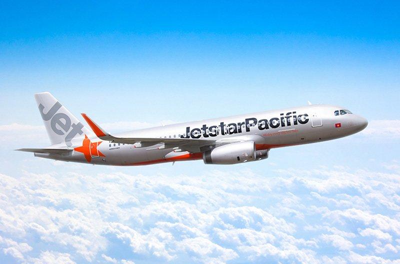 Австралийский лоукостер JetStar