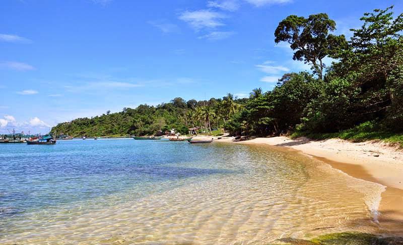 Чистейшая вода на пляже Гань Зау
