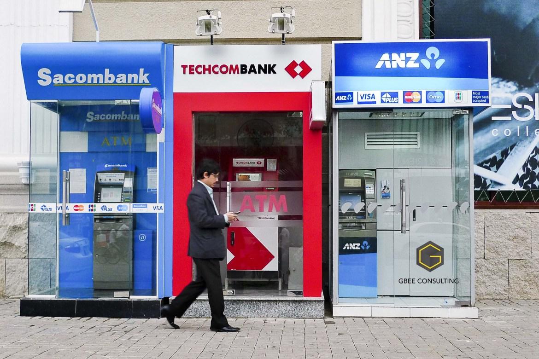 Банки Нячанга: 3 туристических нюанса денежного оборота Вьетнама